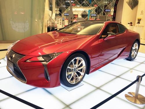 2017-02-09_Lexus-LC500h_01