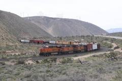 BNSF7311@Tehachapi-MojaveIMG_2204.jpg