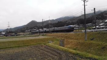 20170408桜と電車4