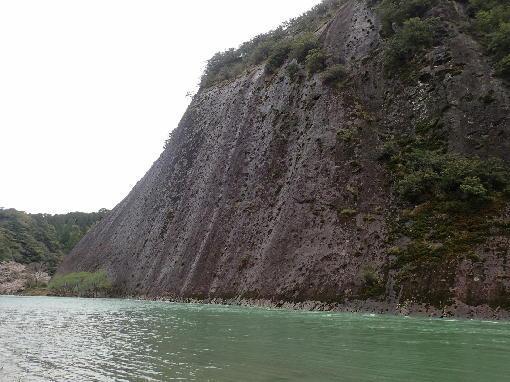 040805一枚岩