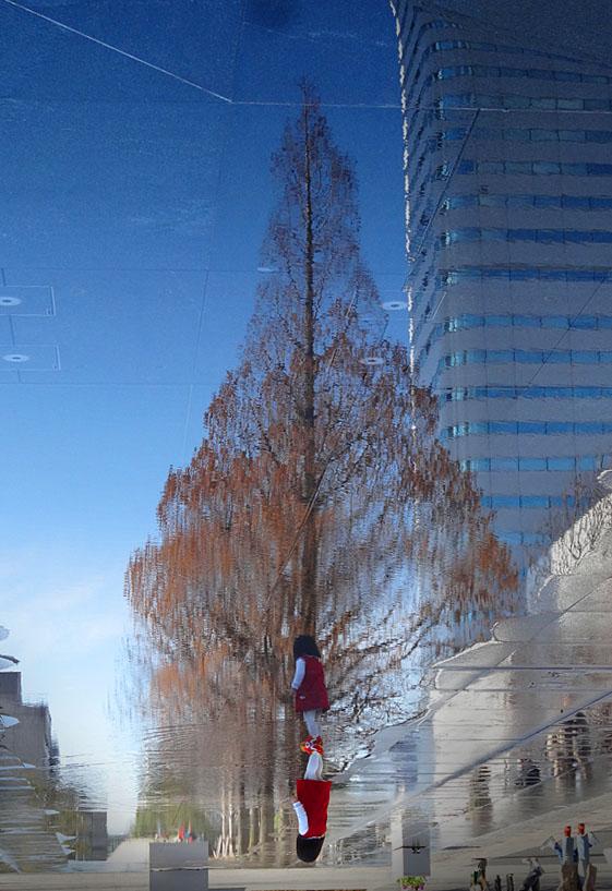 170225映る樹と少女2