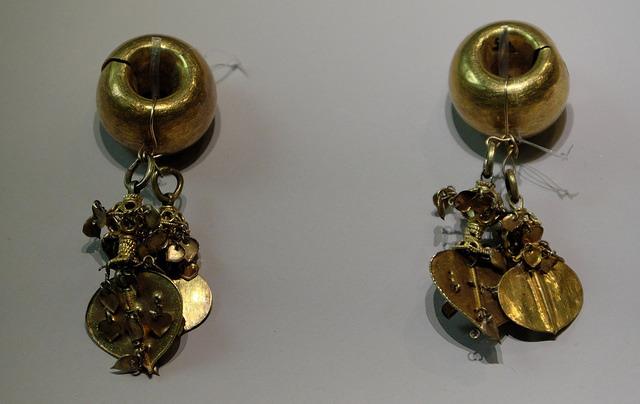 ・003金製耳飾5-6C新羅