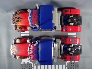 トランスフォーマー MB-11 ムービー10thアニバーサリー オプティマスプライムを比較 (3)