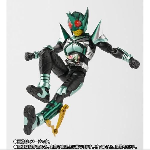 SHF(真骨彫製法) 仮面ライダーキックホッパー007l