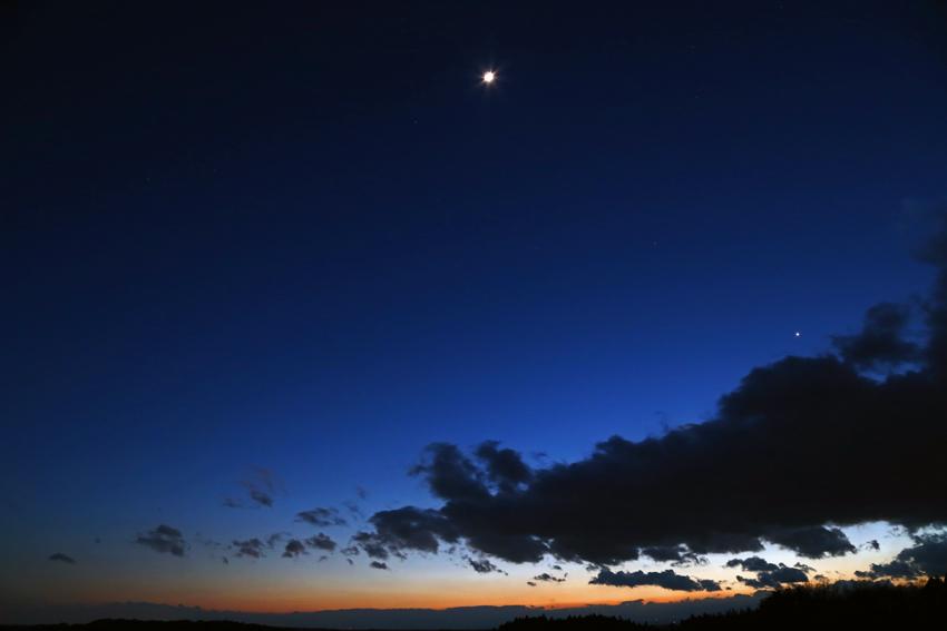 20170303夕焼け残照と月と金星