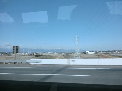 名古屋駅から四日市方面へ移動中。