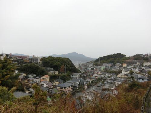 朝から雨ですよ。