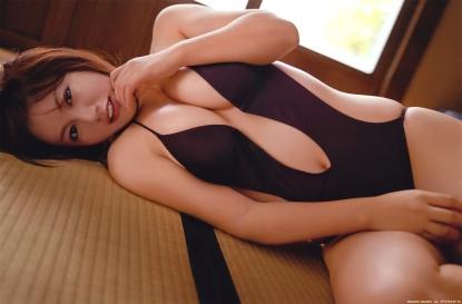 isoyama_sayaka_g152.jpg