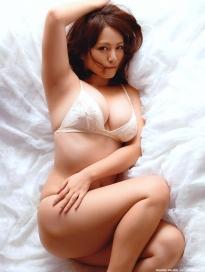 isoyama_sayaka_g154.jpg