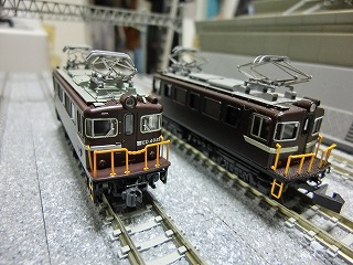 ED403とED402 前面の比較②