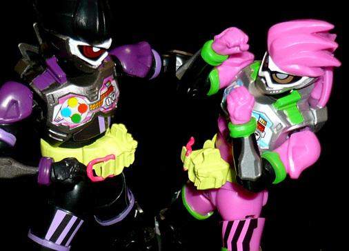 仮面ライダーエグゼイド アクションゲーマー レベル2VS仮面ライダーゲンム アクションゲーマー レベル2