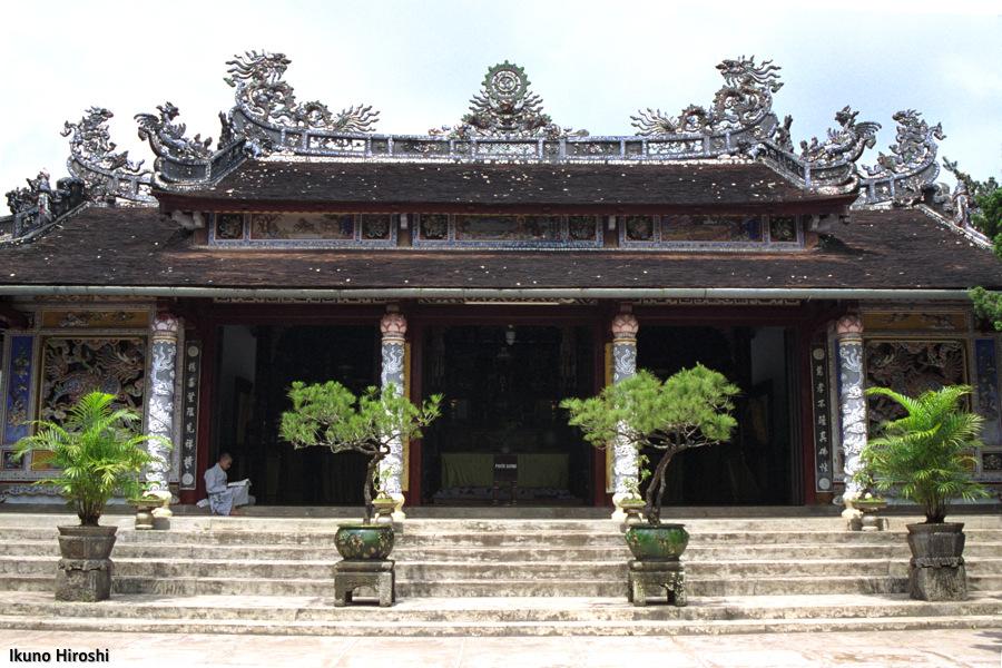 フエのトゥヒェウ寺