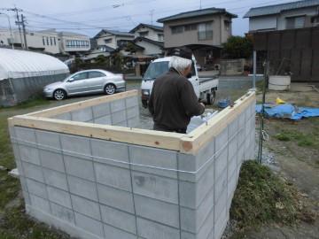 堆肥置き場の屋根作り2