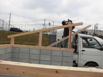 堆肥置き場の屋根作り5