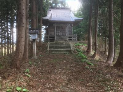 かつての櫓台と思われる造立神社