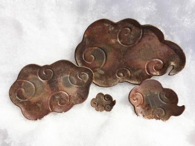 金山焼雲のお皿ファミリー全体写真
