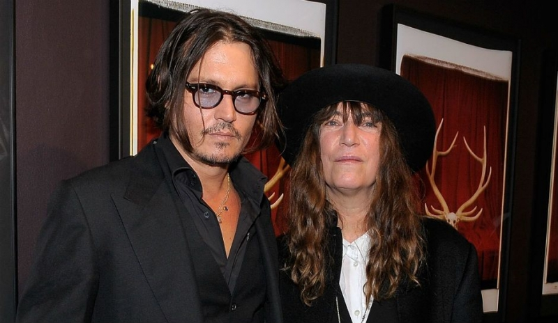 Johnny-Depp-and-Patti-Smith-in-2009-1.jpg