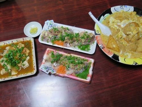 もち巾着と厚揚げ追加衣笠丼の抜き、鮭の白子ポン酢、イナダとアジの薬味たっぷり刺身