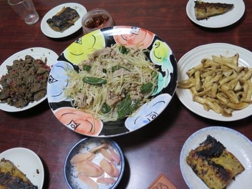 サバの西京漬け、エリンギバター、豚肉とシシトウとモヤシ炒め