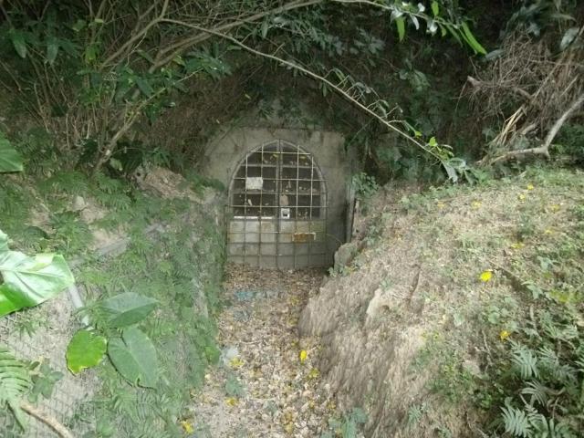 海軍壕出入り口 (6)