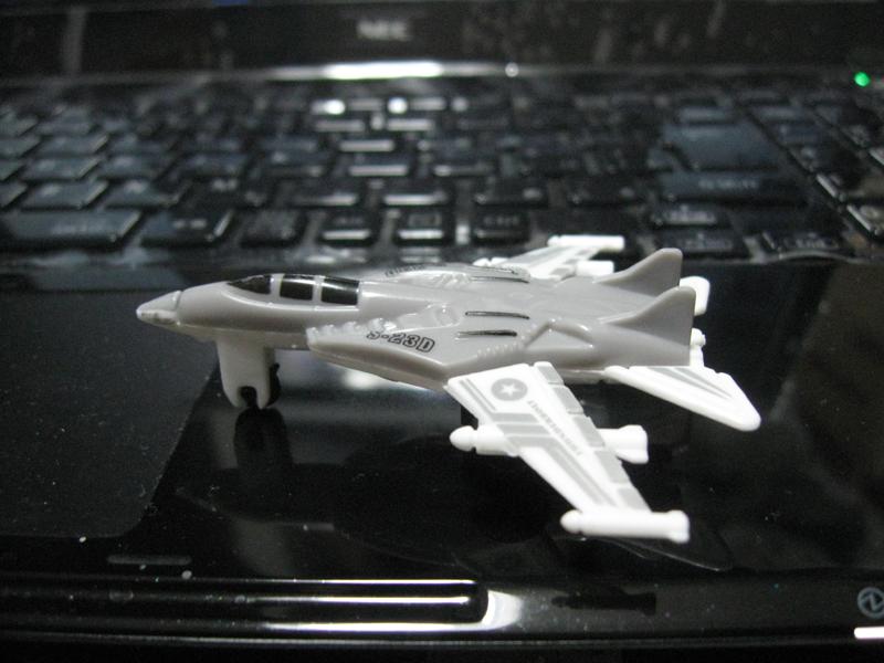 F/A-18戦闘機もどき。