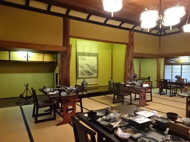 三養荘 本館広間