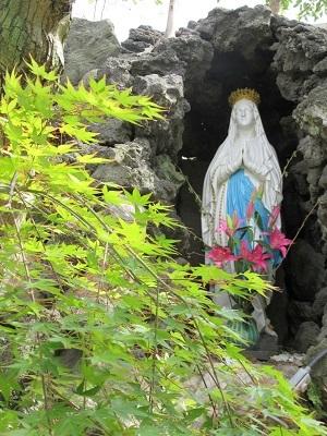 ルルドのマリア像