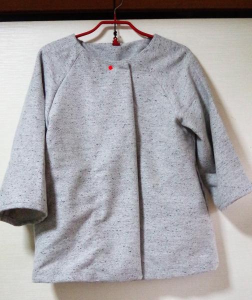 ラグラン袖のジャケット