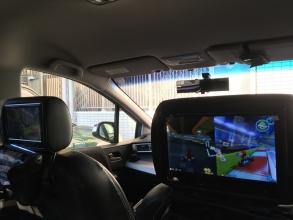 車の後部座席で「ニンテンドースイッチ(Nintendo Switch)」をやる♪ マリオカート8 デラックス!1-2-Switch(ワンツースイッチ)対戦♪