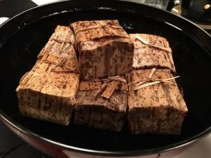酒米山田錦を使って、鰻の笹飯を。