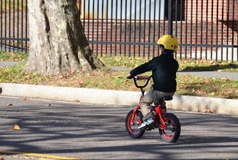 170310 自転車の子供