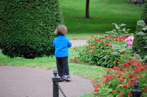 170419 花と子供