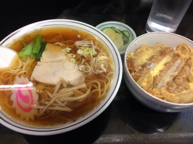栄華半カツ丼ラーメン