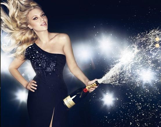 シャンパン無駄遣い女