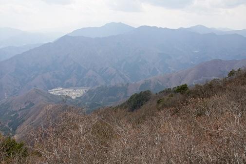 20170415-16 滝子山より鶴ヶ鳥屋山、三ツ峠、本社ヶ丸、御坂黒岳a