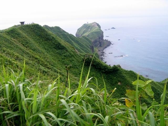 3851神威岬灯台への径