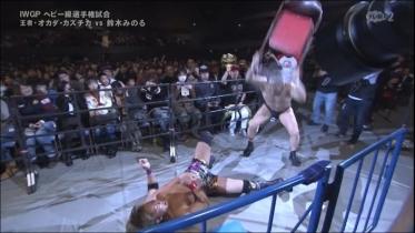 鈴木の椅子攻撃