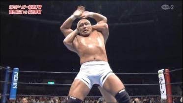 藤田が起き上がるとフルネルソンのフェイントから、