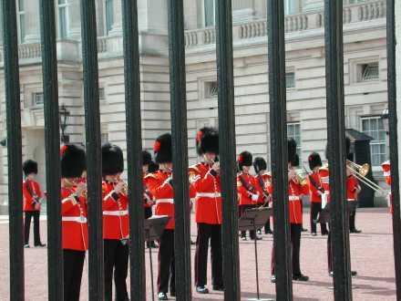 バッキンガム宮殿にて、