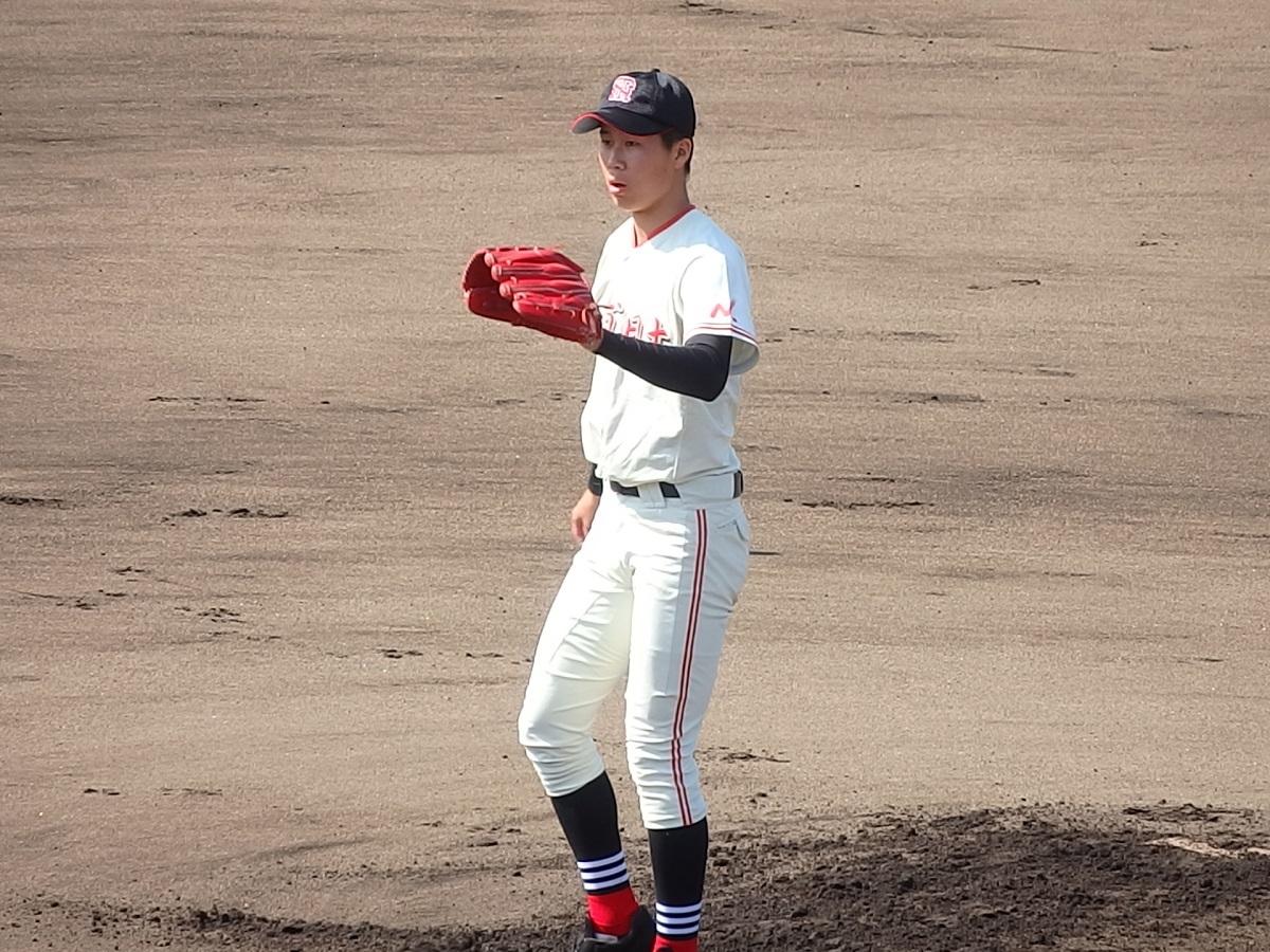 04_土浦日大の先発は2年生エースの富田くん
