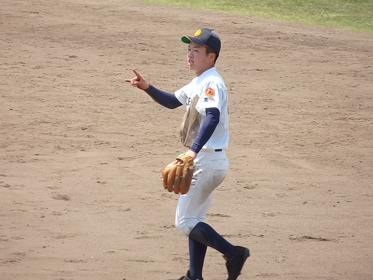 27_8回裏、太田一のセカンド菊池くんがファインプレー!