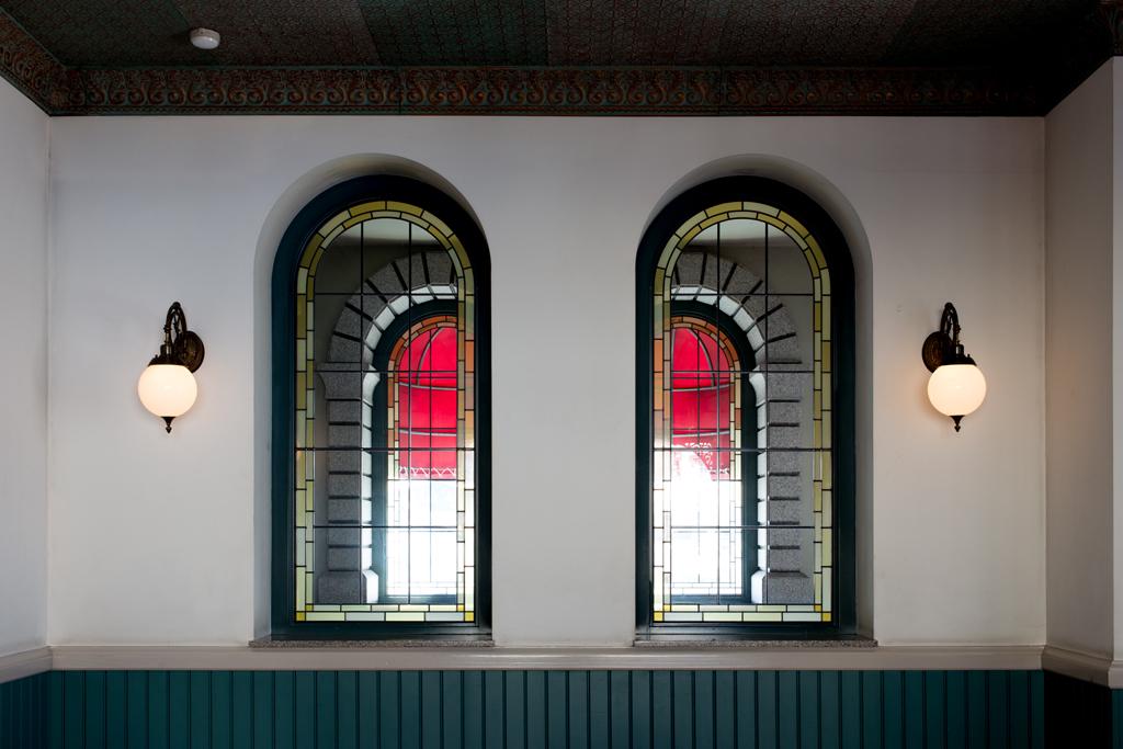 待ち合い室の窓(東京ディズニーランド・ステーション)