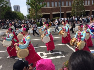 503昼間行われたパレード!(^^)!あかねも一人で見てきました!(^^)!
