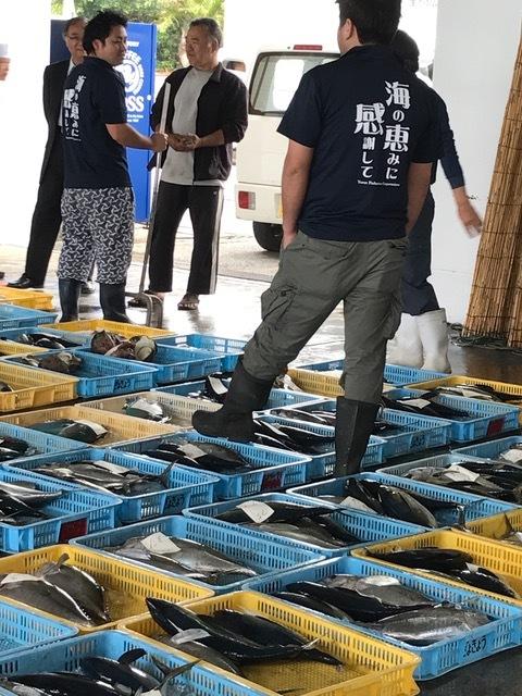 与論魚市場