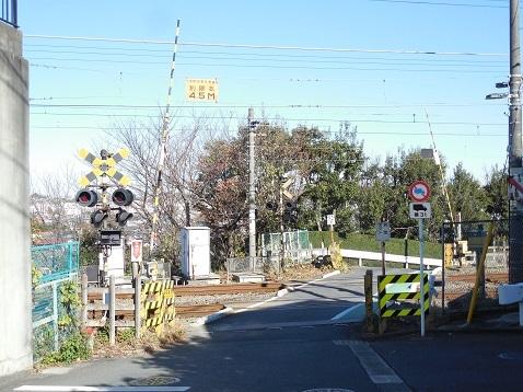横浜線の金森踏切@町田市a