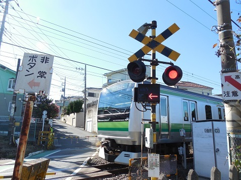 横浜線の金森踏切@町田市g