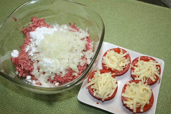 トマトにチーズ