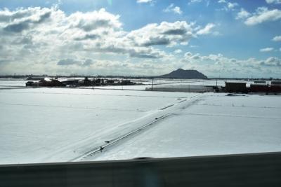 E5系から望む函館山