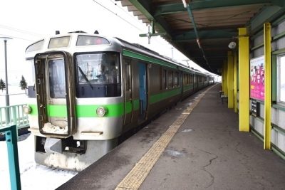 札幌行きの721系電車