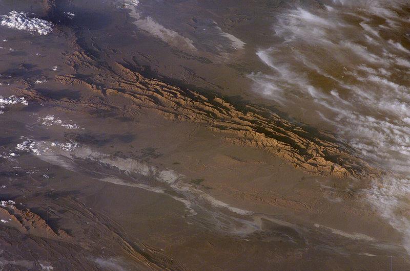 【隕石】イランの砂漠で「地球外の物質」が大量に見つかる!